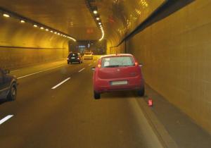 zabtanjeno parkiranje u tunelu