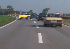 preticanje kolone vozila